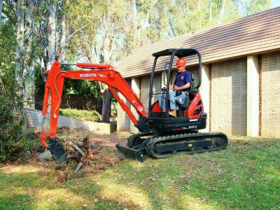 Kubota mini excavator digging hole U series