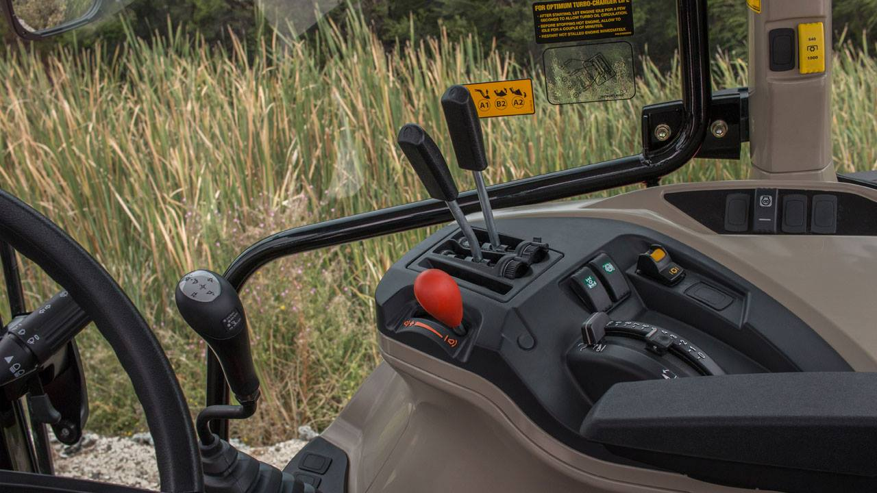 5700SL series tractor cab controls